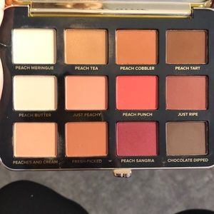 """Too Faced """"Just Peachy mattes"""" eyeshadow pallet"""